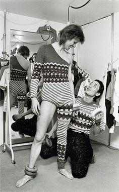 El genio detrás de los mejores trajes de David Bowie | VICE España  Retrato de Masayoshi Sukita