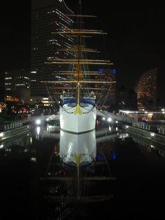 帆船・日本丸。