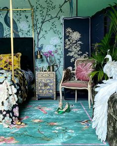 Discover the inspired Birdsong Chinoiserie rug collection by Wendy Morrison design; a designer rug that celebrates nature. Decoration Baroque, Maximalist Interior, Rug Inspiration, Deco Boheme, Luxury Home Decor, Eclectic Decor, Eclectic Rugs, Chinoiserie, House Design