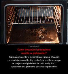 Przypalone resztki w piekarniku często nie chcą się zmyć w łatwy sposób. Aby pozbyć się problemu posyp te miejsca sodą ...