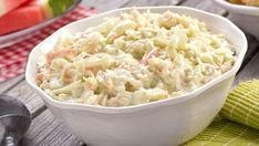 The secret to the great flavor in this best creamy coleslaw recipe is onion. Green cabbage, chopped onion and carrots combine with your favorite salad dressing. This creamy coleslaw is BIG flavor and a crowd pleaser every time! Coleslaw Recipe Yogurt, Classic Coleslaw Recipe, Kfc Coleslaw, Coleslaw Salad, Homemade Coleslaw, Creamy Coleslaw, Chinese Coleslaw, Southern Coleslaw, Vegetables