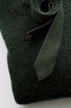 Linen tie for men. Men's olive green tie. Skinny moss green tie. Wool and linen.
