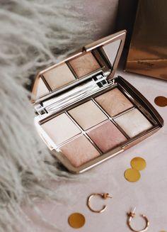 Hourglass Ambient Lighting Edit Unlocked Palette Beauty Products & Make Up Hourglass Ambient Lightin Makeup Kit, Skin Makeup, Makeup Tools, Eyeshadow Makeup, Makeup Cosmetics, Eyeshadow Brushes, Makeup Brushes, Golden Eyeshadow, Lipsticks