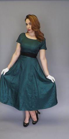 Vintage 1950s 60s Green Black Ballgown A line skirt Prom Dress Tea Dress Bridesmaid Mad Men Cupcake Layer Dress Illusion Top Princess