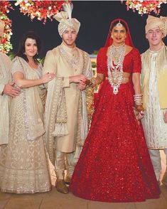 The most awaited wedding of Priyanka Chopra and Nick Jonas has finally got uncovered. The way our Desi girl Priyanka Chopra has celebrated her wedding like a huge festival is just remarkable. Sabyasachi Wedding Lehenga, Red Wedding Lehenga, Wedding Sherwani, Indian Bridal Lehenga, Bollywood Wedding, Red Lehenga, Sherwani Groom, Golden Bridal Lehenga, Designer Bridal Lehenga