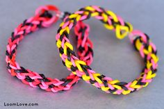 How to Make an Inverted Fishtail Rainbow Loom Bracelet by loomlove #Crafts #Rainbow_Loom