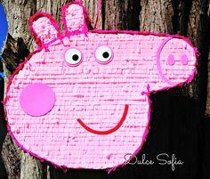 Piñata Peppa Pig. https://www.facebook.com/dulce.soffia