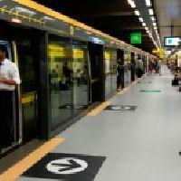 Falta de energia no metrô de SP afeta 18 mil pessoas; quatro passaram mal
