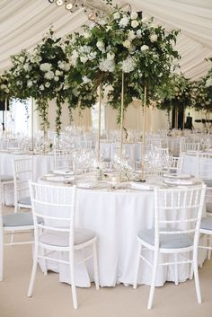 Floral Wedding Centerpieces Planning and Tips - Love It All Wedding Table Centerpieces, Flower Centerpieces, Reception Decorations, Centerpiece Ideas, Centrepieces, Floral Wedding, Wedding Colors, Wedding Bouquets, Wedding Flowers