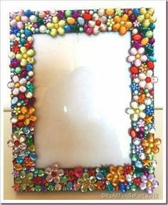 It's All Fiddle Fart: Jewelled Photo Frame Diy Decorate Picture Frame, Picture Frame Crafts, Diy Frame, Button Art, Button Crafts, Mosaic Projects, Craft Projects, Diy Crafts For Kids, Fun Crafts