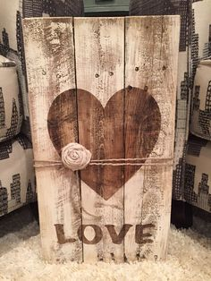 Heart silhouette palette sign Pallet Ideas, Wooden Pallet Projects, Wooden Pallet Furniture, Small Wood Projects, Pallet Crafts, Wooden Pallets, Wood Ideas, Furniture Ideas, Pallet Painting
