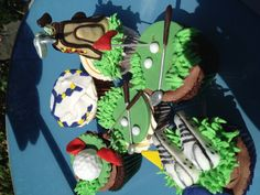 Golf themed cupcakes www.cakeheaven.co.uk