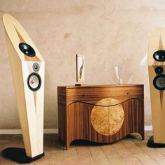 Simon Svoboda cabinetmaker in Lyon 69 - Furniture design wooden furniture, tables, shelves, cupboards High End Speakers, Home Speakers, High End Audio, Built In Speakers, Audiophile Speakers, Hifi Audio, Equipment For Sale, Audio Equipment, Fi Car Audio