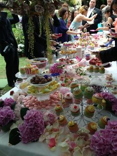 cute candy buffet!