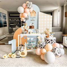 2nd Birthday Party For Girl, Birthday Poems, Girl Birthday Decorations, Birthday Themes For Boys, Safari Birthday Party, Farm Birthday, Baby Shower Deco, Farm Party, Balloon