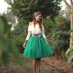 b5d360ce73 Falda de tul tipo Carrie en color verde hecha a medida y confeccionad a  mano en Galicia