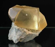 cz - Fine Minerals,Moldavites and Jewelry Kazakhstan, Rocks And Minerals, Healing Stones, Stone Jewelry, Silver Bracelets, Jewelry Shop, Unique Gifts, Quartz, Gems