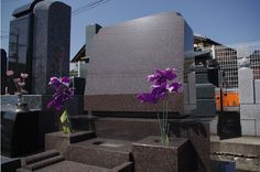 洋型の石塔Bセット。石塔、水鉢、花立、香炉のセットです。