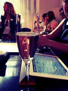 blogger chic #iPad #champagne #regenttweet #london Alcoholic Drinks, Champagne, Ipad, Geek Stuff, Scene, London, Chic, Geek Things, Shabby Chic