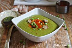 Przepis na Zupa krem z groszku, z marchewką i grzankami | Zupy | Biblia Smaków