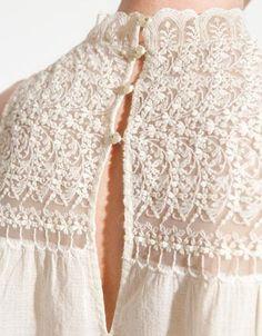 Платье с застежкой на спине