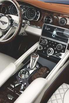 Bentley EXP9F, This is undoubtedly the most beautiful interior/dashboard I have ever seen