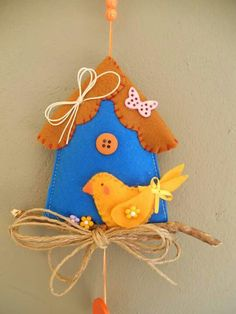 Blue bird crafts sweets ideas for 2019 Bird Crafts, Easter Crafts, Crafts For Kids, Felt Christmas Ornaments, Christmas Crafts, Felt House, Felt Gifts, Diy Ostern, Felt Embroidery
