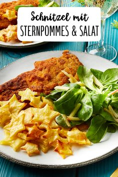 Schnitzel with chips but with a difference Christmas Carving Corn salad French fries Potatoes Dinner Daily life meat Meat Main course Kid's dishes Christmas Winter Little effort Source by neobell Healthy Appetizers, Appetizer Recipes, Snack Recipes, Dinner Recipes, Healthy Recipes, Lettuce Recipes, Salmon Recipes, Kids Dishes, Healthy Sandwiches