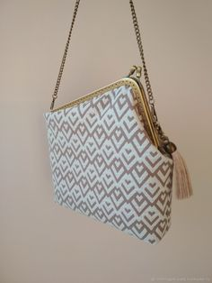 Clutch Purse, Coin Purse, Letter Bag, Diy Bags Purses, Crochet Clutch, Frame Purse, Handmade Bags, My Bags, Leather Wallet