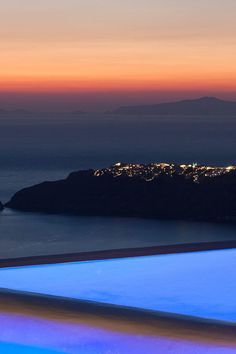 Sunset Pool in Imerovigli, Santorini island, Greece. - Selected by www.oiamansion.com