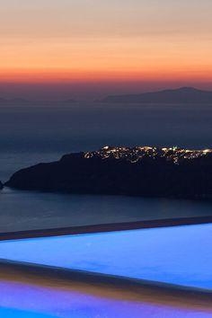 Sunset Pool in Imerovigli, Santorini island, Greece. - Selected by www.oiamansion.com