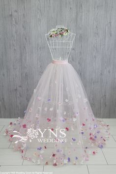 of the detailed image Flower Dresses, Pretty Dresses, Beautiful Dresses, Diy Tulle Skirt, Tulle Dress, Wedding Dresses For Girls, Wedding Gowns, Lingerie Plus, Fairy Dress