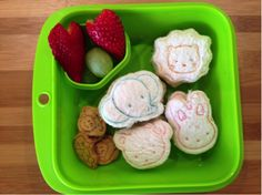 kids bento box by Little Bento Blog School Lunch Box, Bento Box, Baby Food Recipes, Printables, Birthday Ideas, Blog, Kids, Style, Recipes For Baby Food