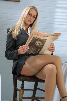 In pantyhose tumble lady