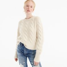 Cable-knit sweater i