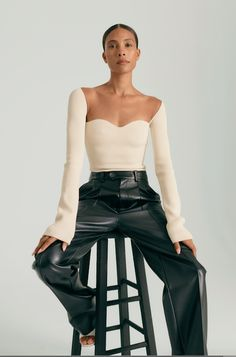 Longsleeve nude top with shoulder/collarbone cut out. Fashion 2020, Look Fashion, High Fashion, Autumn Fashion, Fashion Outfits, Womens Fashion, Fashion Design, Fashion Trends, Chloe Fashion