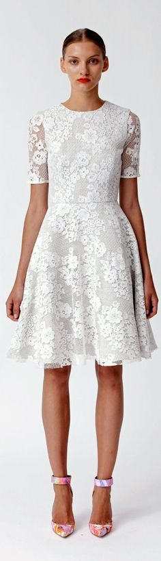 Little White Dress - Monique Lhuillier. Little White Dresses, White Outfits, Cool Outfits, Catwalk Fashion, Fashion Beauty, Lace Dress, Dress Up, Evening Dresses, Summer Dresses