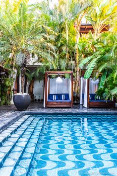 hotel garden The beautiful courtyard and tiled swimming pool of a boutique hotel in Granada, Nicaragua. Swimming Pool Designs, Swimming Pools, Casa Patio, Hotel Pool, Outdoor Living, Outdoor Decor, Beautiful Hotels, Interior Exterior, Granada