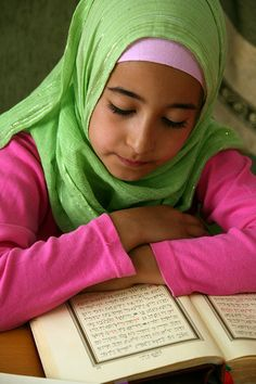 photo-muslim-and-arabic-girls-reading-koran - بحث Google‏