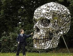 Indian artist Subodh Gupta and his art, a lot of which involves recycling old pots and pans from the kitchen. For the Frieze art fair in London, he assembled a load of old kitchen utensils and forged this bodacious skull just in time for Halloween. Metal Skull, Metal Art, Land Art, Thrash Metal, Skull Crafts, Art Crafts, Frieze Art Fair, Recycled Art Projects, Skull Art