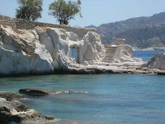 the island of Kimolos-Greece different houses Myconos, Paradise On Earth, Greece Travel, Greek Islands, Amazing Nature, Santorini, Beautiful Beaches, Places To See, Sweet Home