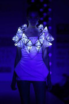 Pankaj and Nidhi& Glowing Geometric Dress, Show at Wills Lifestyle India F ., Pankaj and Nidhi& Glowing Geometric Dress, Show at Wills Lifestyle India Fashion Week. Smart Textiles, E Textiles, Geometric Fashion, Geometric Dress, Fashion Art, High Fashion, Fashion Show, Fashion Trends, Space Fashion