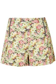 CO-ORD PEONY FLORAL SHORTS - Topshop    Price: £35.00