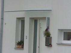 Shieldblock  , das Vordachsystem reduziert auf das notwendige . Windows, Plants, Glass Roof, Flora, Plant, Window, Ramen, Planting