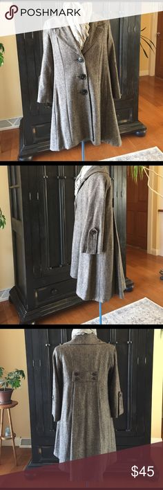 Cabi coat Tweed coat by Cabi.  Such a flattering swing coat in a neutral tweed. The back is just as attractive as the front with lower hemline and panel with four decorative buttons. Two hand pockets and beautifully lined. Preloved excellent condition. CAbi Jackets & Coats Pea Coats