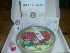 moors-mummy: Baker Days Letterbox Valentine Cake - Review.