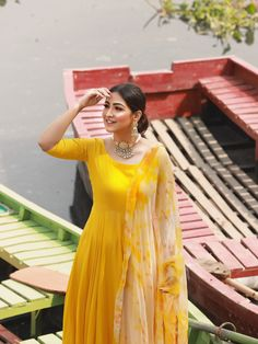 Indian Fashion Dresses, Indian Outfits, Fashion Outfits, Fashion Blouses, Indian Gowns, Indian Wear, Stylish Dress Designs, Stylish Dresses, Anarkali Dress Pattern