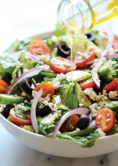 Aufläufe, Geschnetzeltes und überhaupt alles Warme: Darauf haben wir gerade keine Lust. Wir wollen Sommersalate!