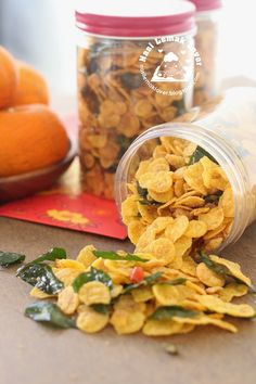 Salted egg yolk, butter, curry leaves and chili padi are perfect combo. Any recipe won't go wrong when using these ingredients. New Year's Snacks, Savory Snacks, Snack Recipes, Cooking Recipes, Drink Recipes, Dessert Recipes, Asian Snacks, Asian Desserts, Cornflake Recipes