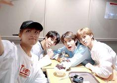 Living In Korea, Nct Life, Huang Renjun, Funny Kpop Memes, Na Jaemin, Winwin, Taeyong, K Idols, Jaehyun